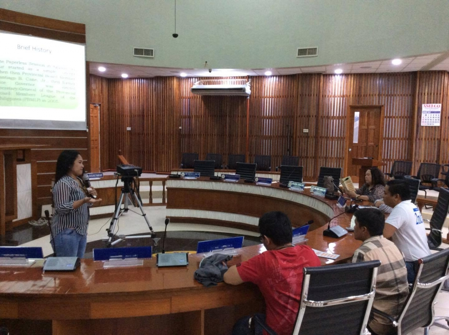 Ms. Cecile S. Pagar, LTSD Division Head of the Secretary to the Sanggunian orients Agusan del Norte visitors on the conduct of Paperless Session